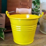 Kesseli klein, gelb mit Holzgriff