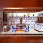 Puppenstube 1:144, Küche weiss, Delfter Kacheln altrosa, Stühle blau